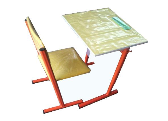 1497614818_میز-وصندلی-قابل-تنظیم5